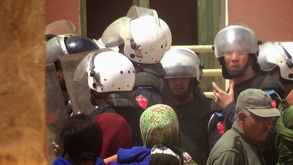 Resultado de imagen de fuerzas marroquies reprimen