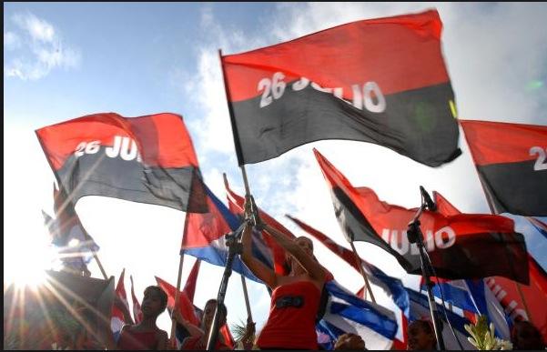 Banderas 26 de Julio y cubanas