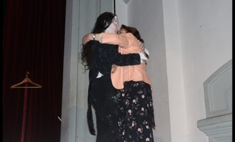 abrazo-maria-belen-y-su-abuela