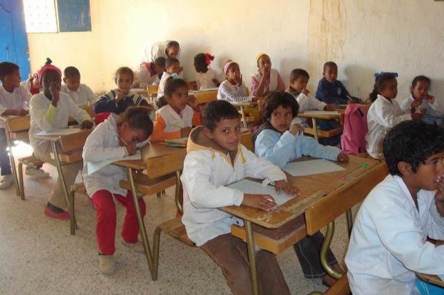 ninos-saharauis-en-escuela-campamentos
